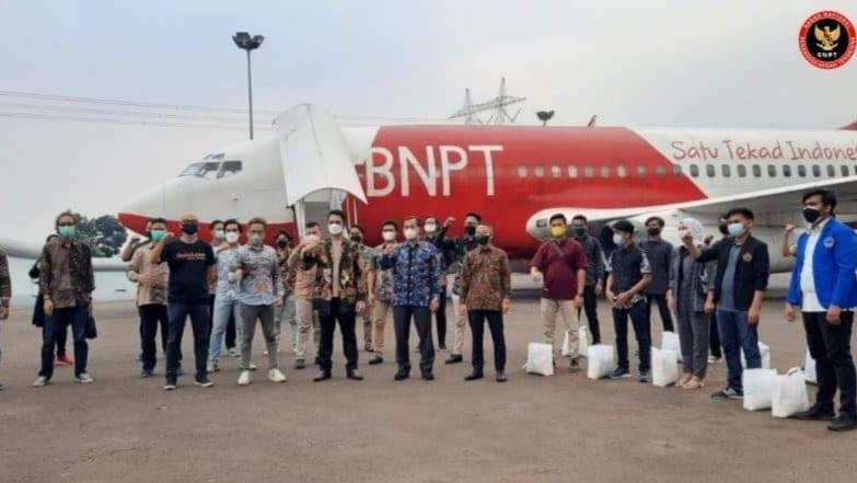 BNPT dan YHPB bersama Pemuda-Mahasiswa Berikan Bantuan pada Mahasiswa Perantauan dan Masyarakat Terdampak Covid-19