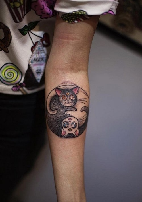 este_cativante_yin_yang_gato_tatuagem_para_mulheres