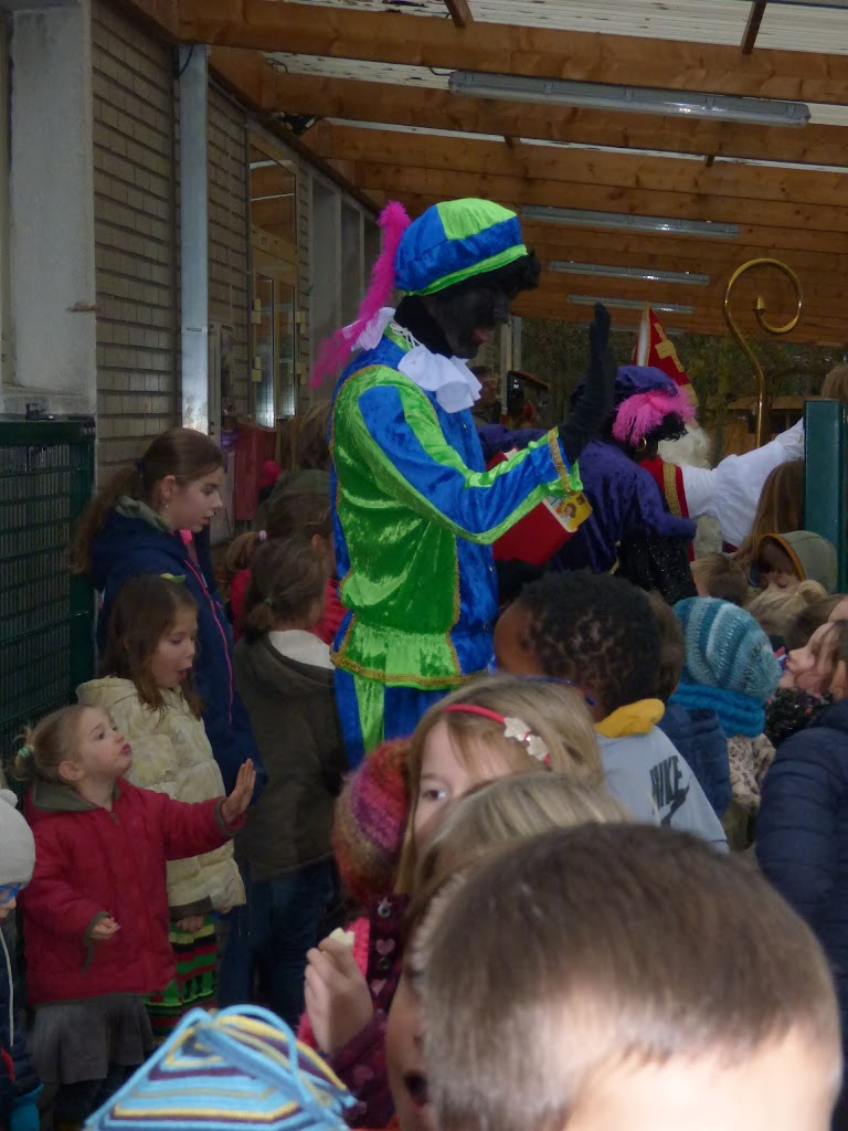 Sinterklaas op bezoek - P1060553.JPG
