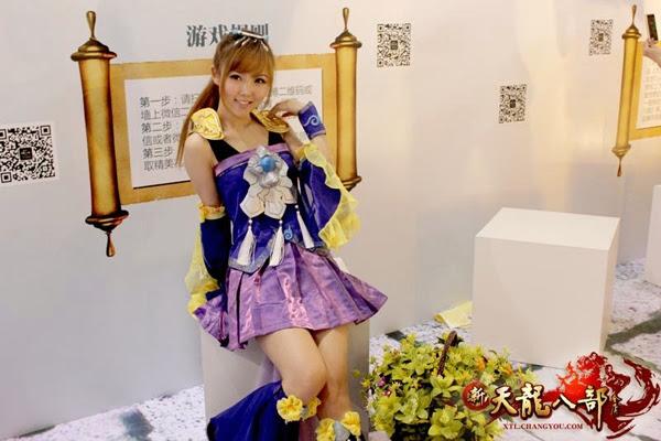 Ngắm showgirl tại gian hàng Tân Thiên Long Bát Bộ 3