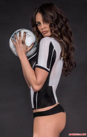 Margot Ovani nude chia buồn cùng Juventus
