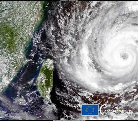 Copernicus : Ο τυφώνας In - Fa στη θάλασσα των Φιλιππίνων με πορεία την Ταϊβάν