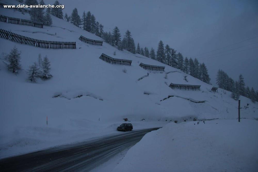 Avalanche Haute Tarentaise, secteur Tignes, Bois de la Combe, accès à Tignes, RD87a - Photo 1