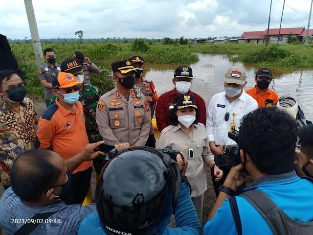 Bupati Pulang Pisau Tinjau Kondisi Banjir di Jalan Trans Kalimantan