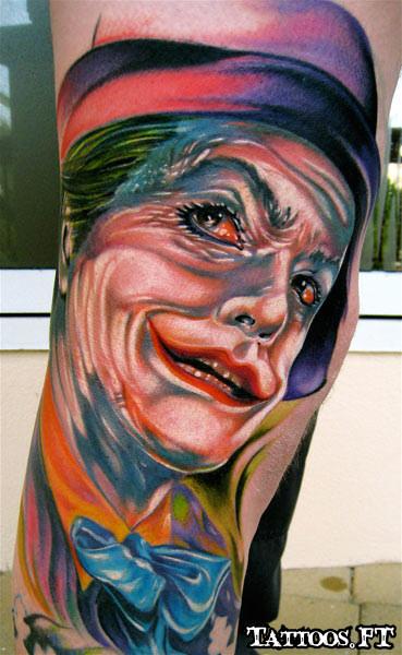 Coringa tattoos joker batman tatuagens significados e for Joker batman tattoo