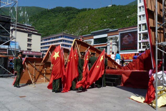 CHINE SICHUAN.KANDING , MO XI, et retour à KANDING fête du PCC - 1sichuan%2B1825.JPG