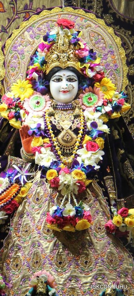 ISKCON Juhu Sringar Deity Darshan 19 Dec 2015 (5)