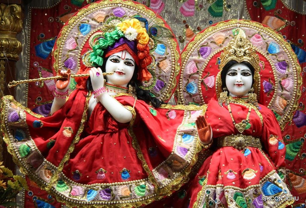 ISKCON Juhu Mangal Deity Darshan on 28th Aug 2016 (22)