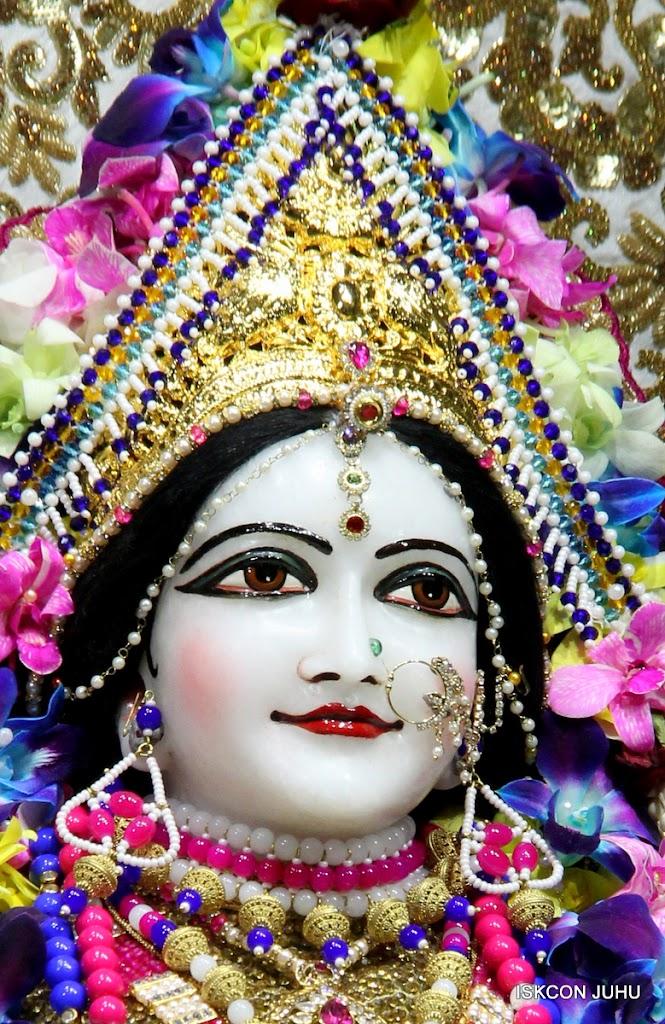 ISKCON Juhu Sringar Deity Darshan on 25th August 2016 (40)