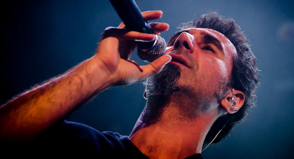[Kerrang!] A dedicação de Serj Tankian para melhorar o mundo