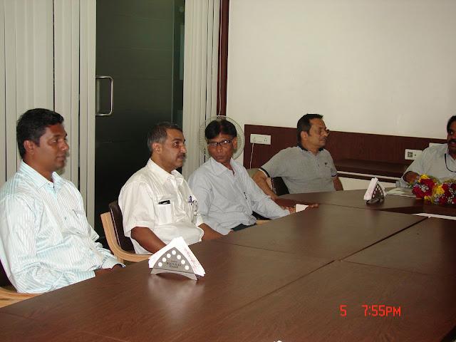 Demonstration of Amateur Radio Satellite communication to Mr Annadurai and Mr Raghavamurthy - DSC00164.JPG