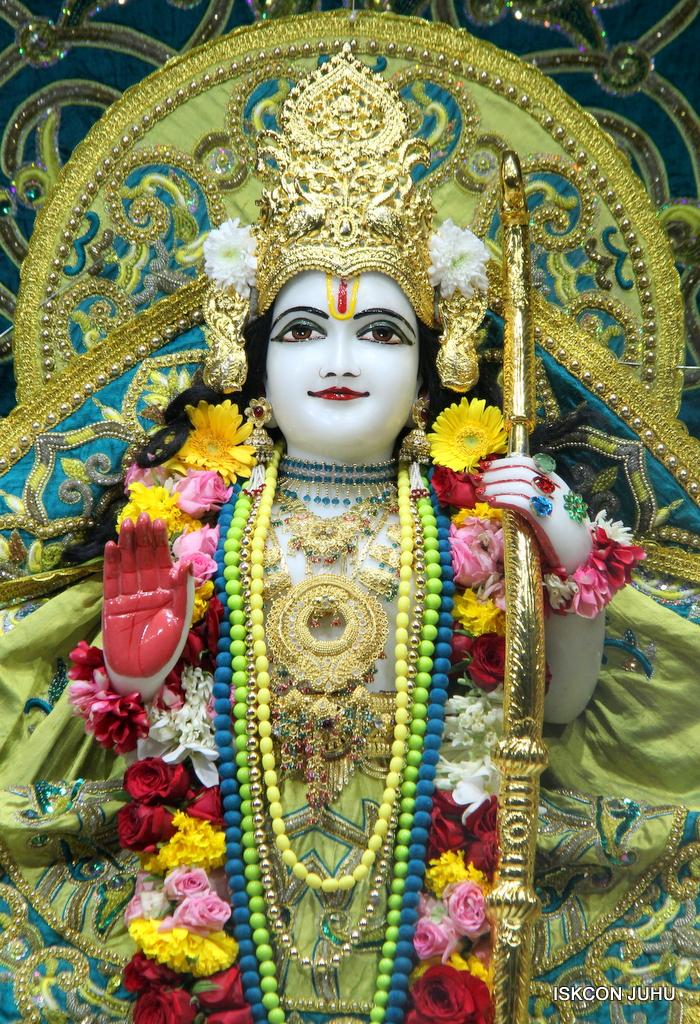 ISKCON Juhu Sringar Deity Darshan on 25th Oct 2016 (30)