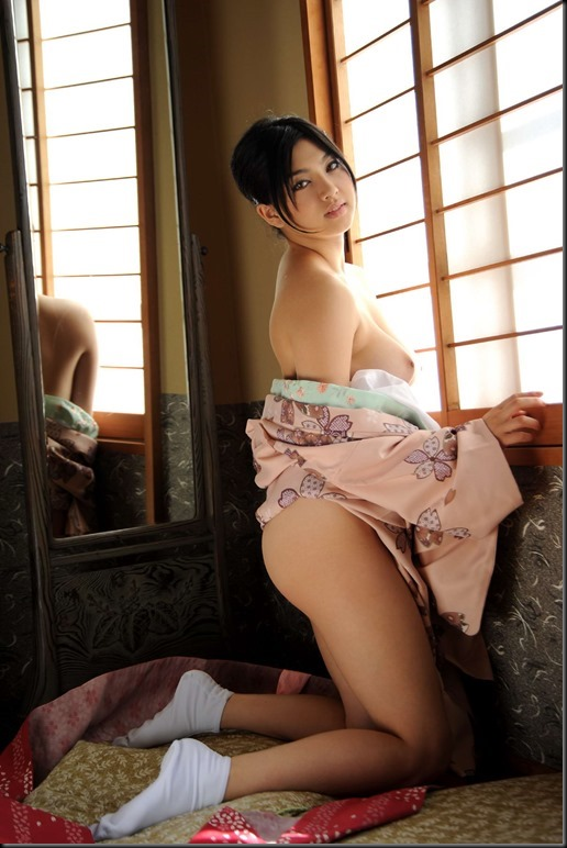 Saori Hara in Kimono_246748-0054