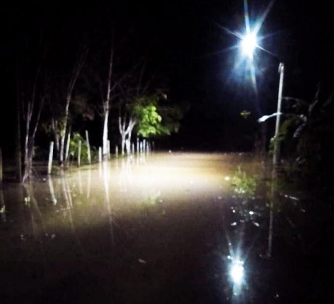 Hujan Turun Sungai Danau Banjir, Warga Mengungsi