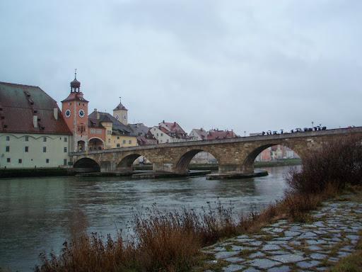 石橋と旧市街