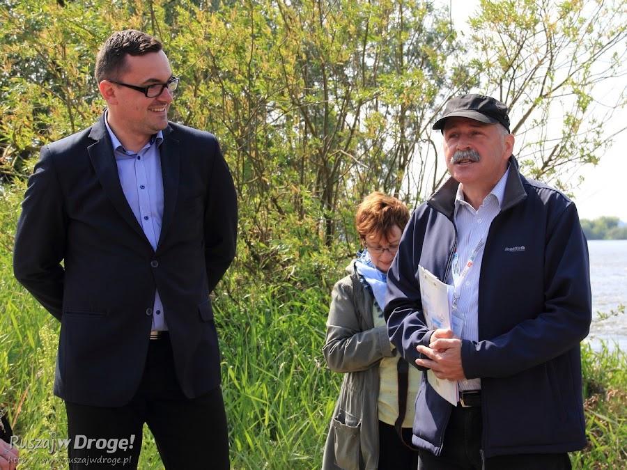Wójt Miłoradza Arkadiusz Skorek i przewodnik Bogdan Mąder