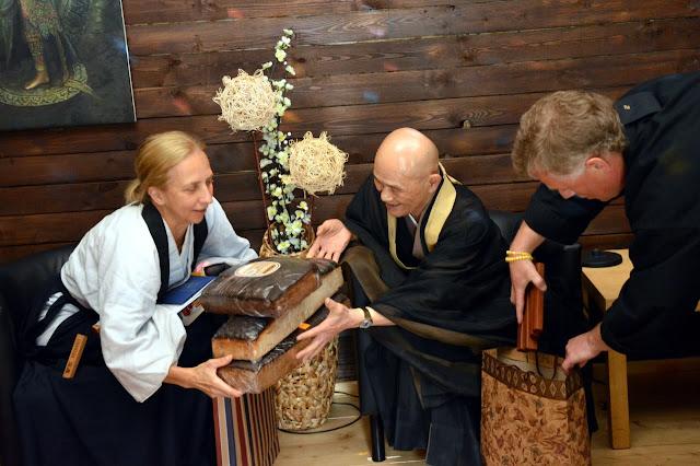 Сэссин с Сёдо Харада Роси в России - AU4OJohSJBk.jpg