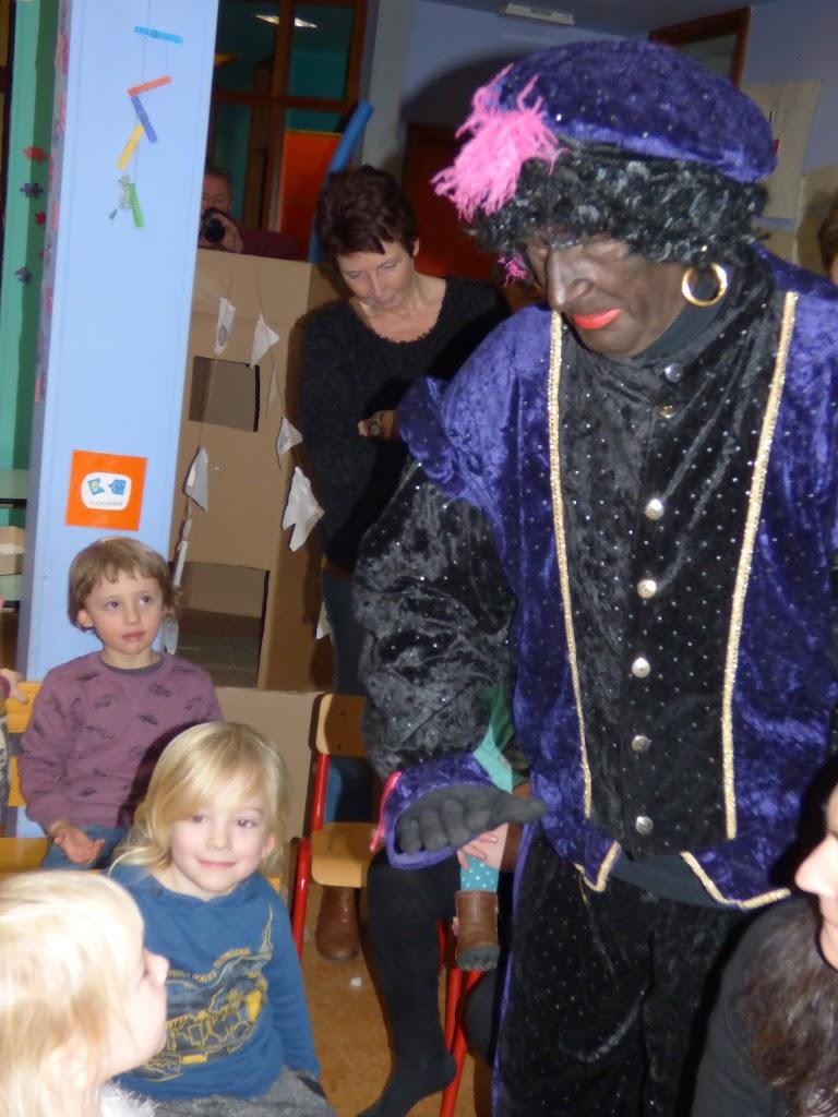 Sinterklaas op bezoek - P1060530.JPG