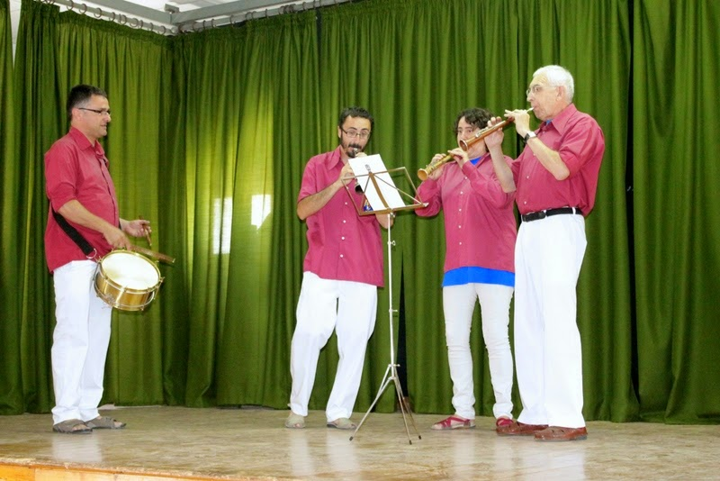 Audició Escola de Gralles i Tabals dels Castellers de Lleida a Alfés  22-06-14 - IMG_2386.JPG