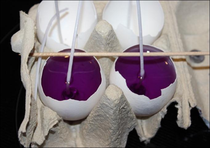 DIY Ostereier Kerzen Teelichter selber machen Eier bunt 04