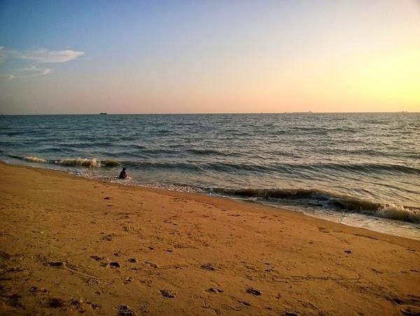 pemandangan pantai puteri