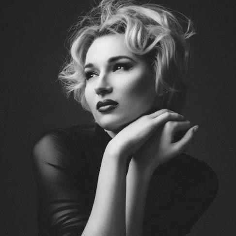 Anna Kaminskaya Photo 14