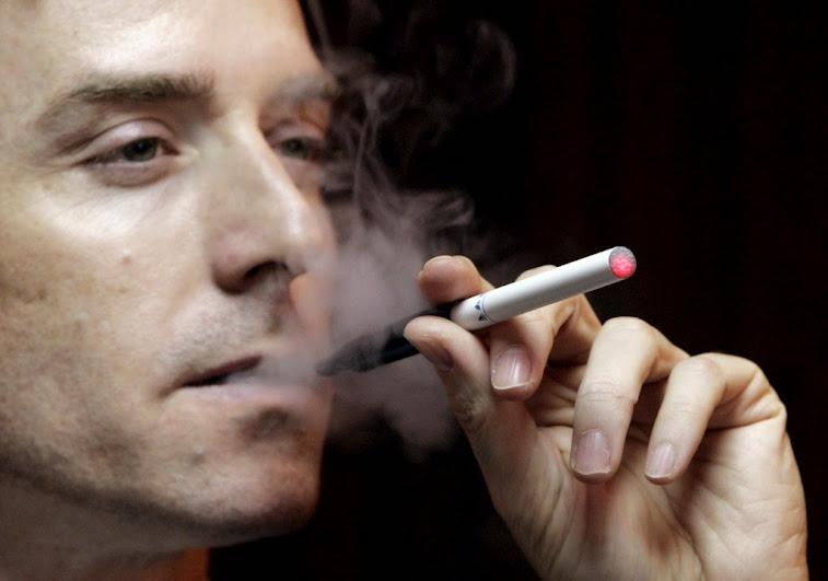Cigarros eletrónicos dez vezes mais cancerígenos - Cientistas japoneses
