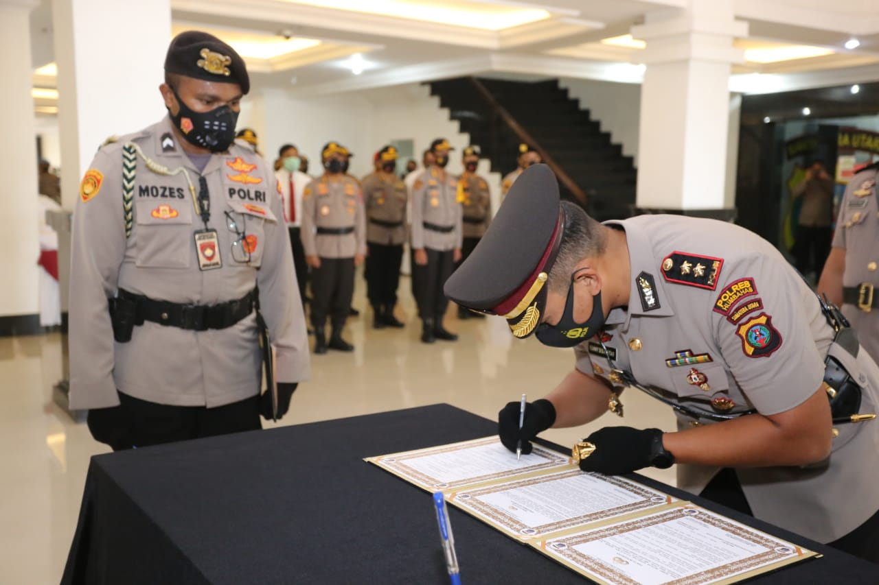 Kapolda Sumut Pimpin Serah Terima Jabatan Kapolres Humbahas