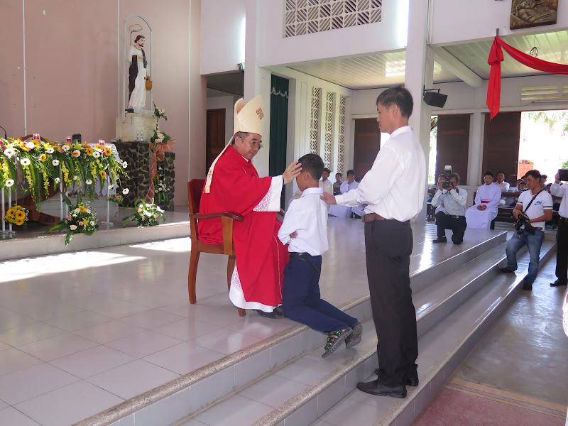 Hình ảnh Đức Giám Mục Giáo phận thăm viếng và ban phép thêm sức tại giáo xứ Cư Thịnh - Giáo hạt Diên Khánh