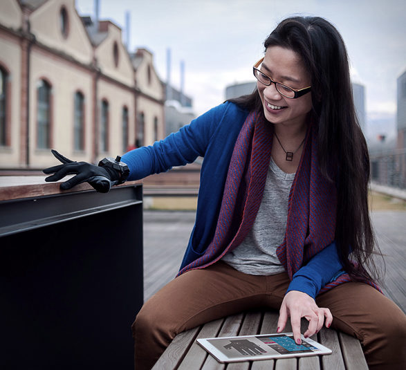 The New Remidi Glove Turns You To A Professional Musician And DJ 4