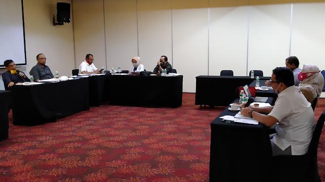 Foto: Rapat Pembahasan. Soal Parkir Truk, DPRD Kota Padang Minta Bantu ke Semen Padang.