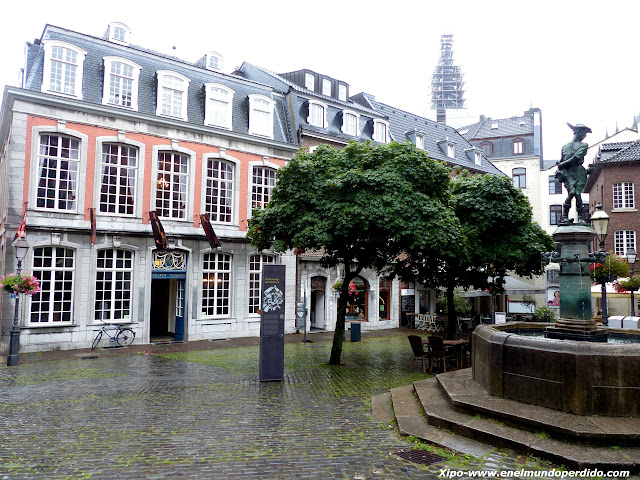 plaza-aachen-museo-couven.JPG