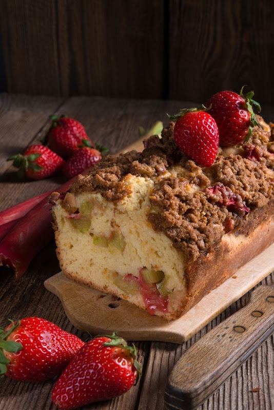 apple-rhubarb-cake