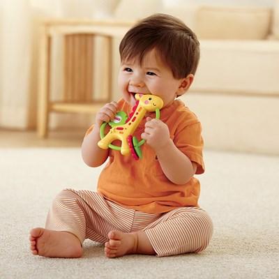 Chơi với Xúc xắc Hươu cao cổ Fisher Price giúp bé nhà bạn phát triển toàn diện cả về thể chất lẫn tinh thần