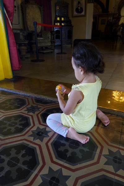 Mainan di Istana Maimun