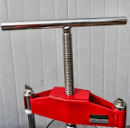 Aquarius oil press is a screw press