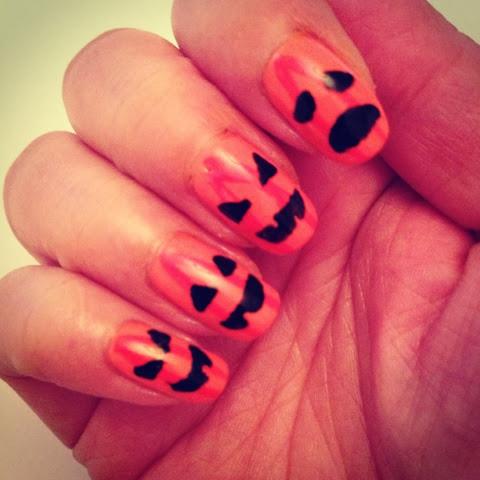 Lacquerised Nail Art Halloween Blood Drip Pumpkins