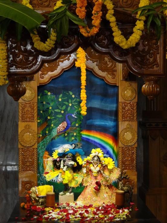 ISKCON Nigdi Deity Darshan 08 April 2016 (9)