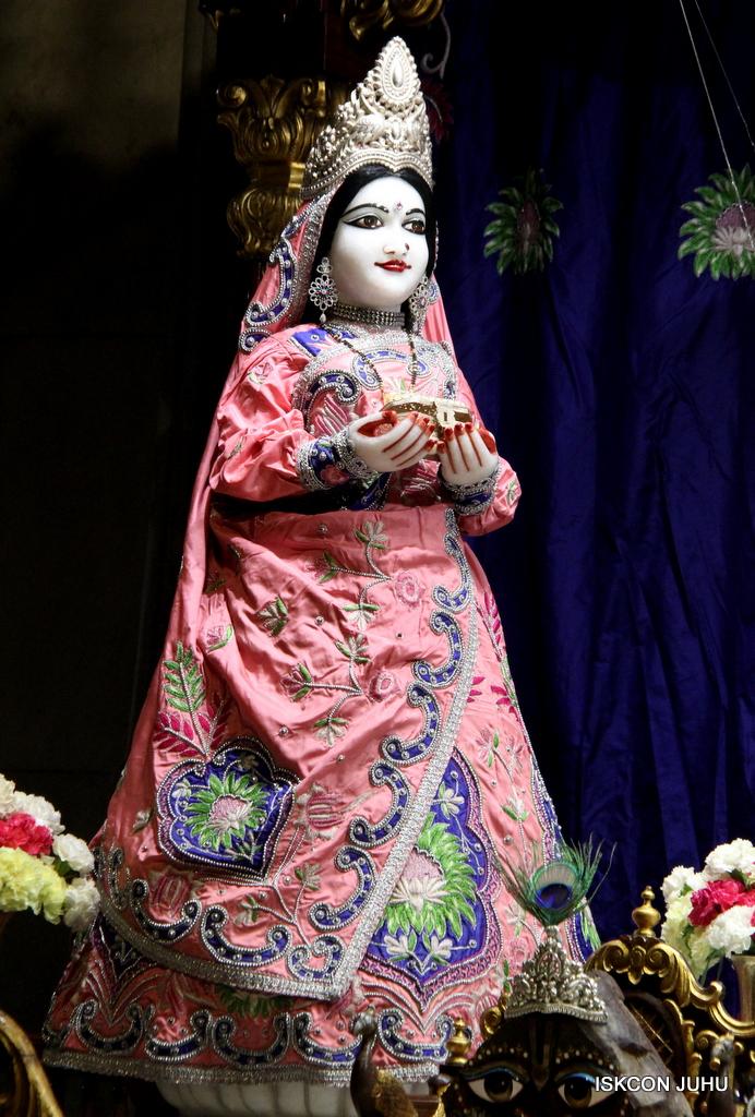 ISKCON Juhu Mangal Deity Darshan on 30th Sep 2016 (23)
