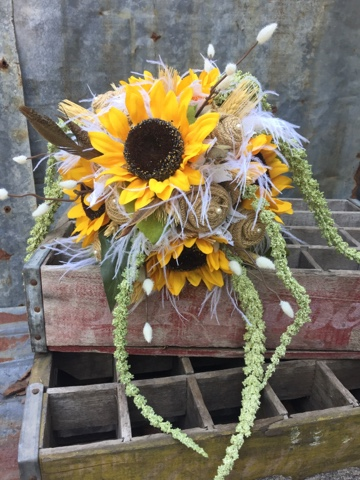 burlap and sunflower fall bride's bouquet