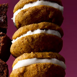 Spiced Pumpkin Whoopie Pies