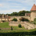 La tour saint-Nicolas XIVe et le manoir de Ninon XVIe