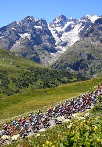 Routes du Tour de France, peloton et spectateurs