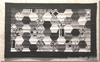 EPP hexagons black and white table topper