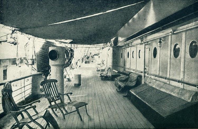 Cubierta de botes del C. LOPEZ Y LOPEZ. Foto del LIBRO DE INFORMACION AL PASAJERO. AÑO 1922..JPG