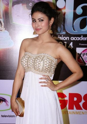 Mouni Roy Measurement