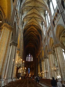 2017.10.22-035 nef de la cathédrale