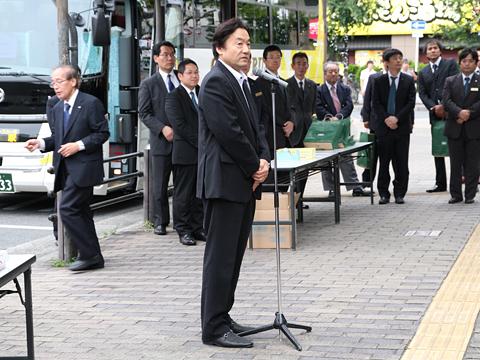 大阪バス「東京特急ニュースター号」開業式 東大阪市長の挨拶