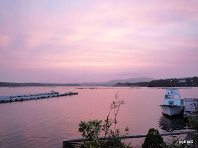 2009/6/25の夕暮れです。海がピンク色に染まり上がりました、