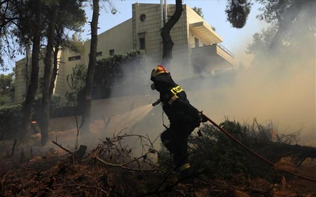 Συνελήφθη για την πυρκαγιά σε Σταμάτα-Ροδόπολη-Διόνυσο 64χρονος μελισσοκόμος